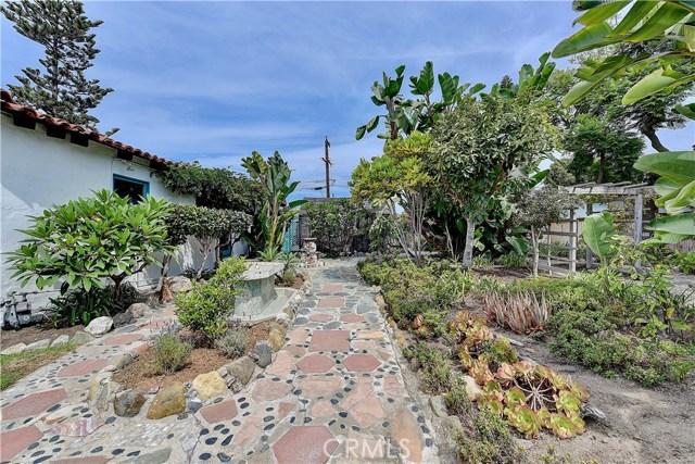 222 W Mariposa, San Clemente CA: http://media.crmls.org/medias/aa187efe-6764-4d8c-bce1-bbb1cd7bc80b.jpg
