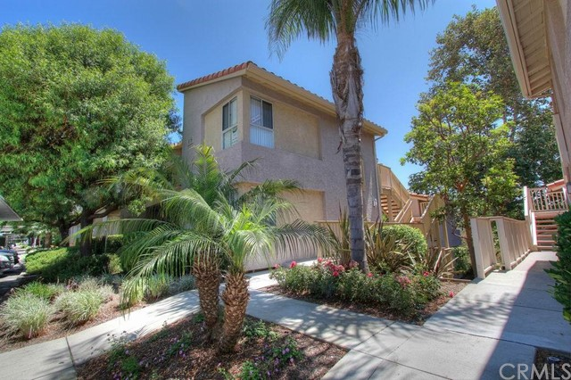 18 CORNICHE Drive H Dana Point, CA 92629 is listed for sale as MLS Listing LG16125640
