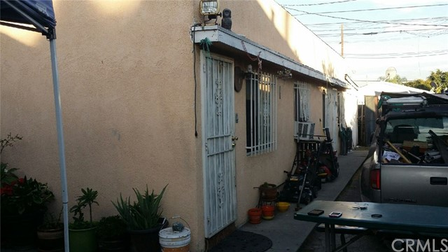 9116 S Vermont Avenue Los Angeles, CA 90044 - MLS #: RS17254293