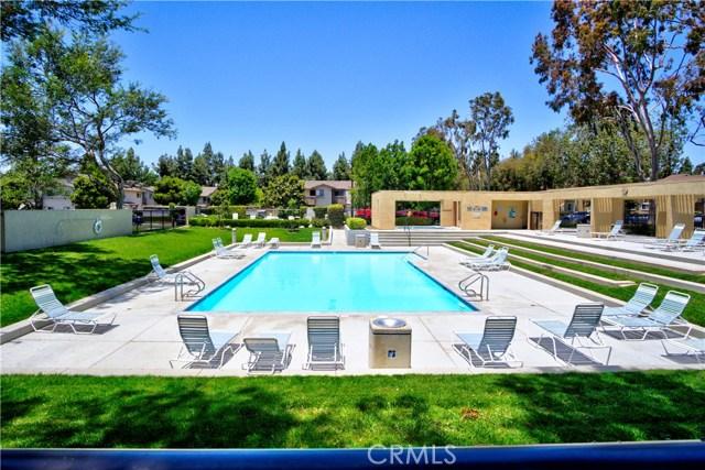 121 Greenfield, Irvine CA: http://media.crmls.org/medias/aa3a6ca2-6d96-4213-b635-76c16a2bff59.jpg