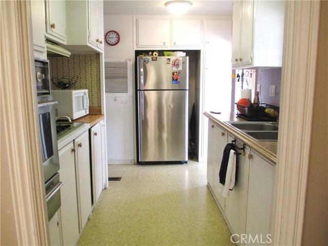 1630 barranca Avenue, Glendora CA: http://media.crmls.org/medias/aa3b82fa-98a8-4d4b-b536-103a976c7cf4.jpg
