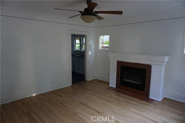 422 N 8th Avenue, Upland CA: http://media.crmls.org/medias/aa4b09bb-b955-4a6e-814a-159dcc2d16d5.jpg