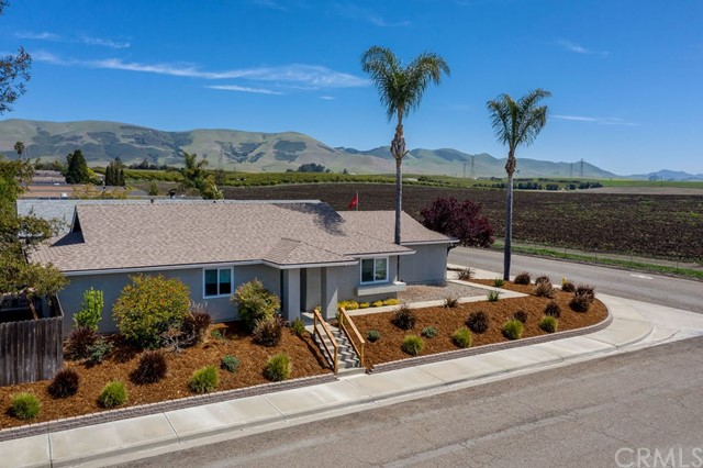 Detail Gallery Image 1 of 1 For 131 E Knotts St, Nipomo,  CA 93444 - 4 Beds   2 Baths