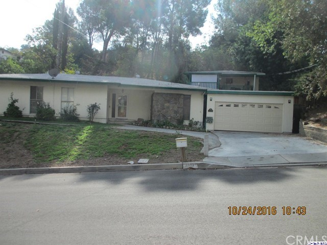 Single Family Home for Sale at 9500 Wheatland Avenue Shadow Hills, California 91040 United States