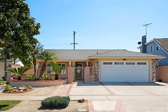 Single Family Home for Sale at 1240 15th Street E Santa Ana, California 92701 United States