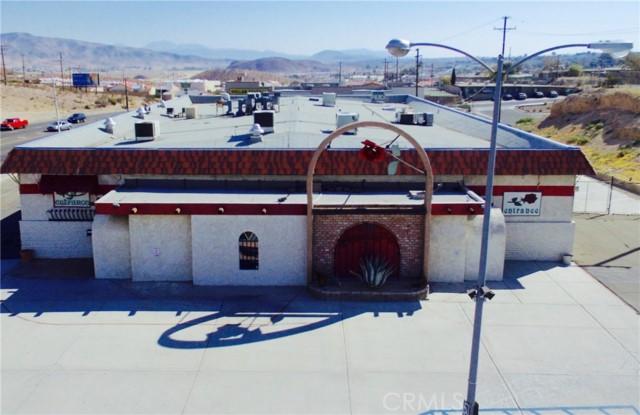واحد منزل الأسرة للـ Sale في 540 W Main Street 540 W Main Street Barstow, California 92311 United States