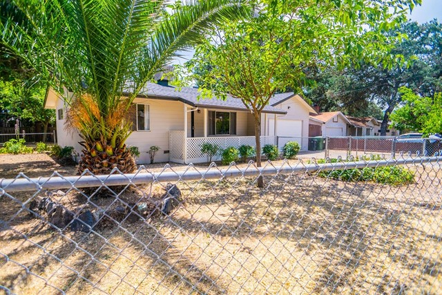 15075 Pineview Dr, Clearlake, CA 95422 Photo