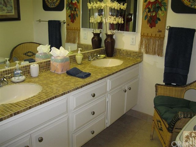 48603 Oakwood Way, Palm Desert CA: http://media.crmls.org/medias/aaafe823-6271-48dc-b614-0f1c6f7e375b.jpg