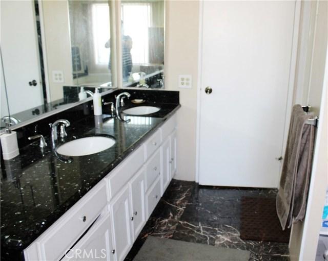 3595 SANTA FE #264, Long Beach CA: http://media.crmls.org/medias/aab2463b-fa98-4256-869a-96c669bc8d98.jpg