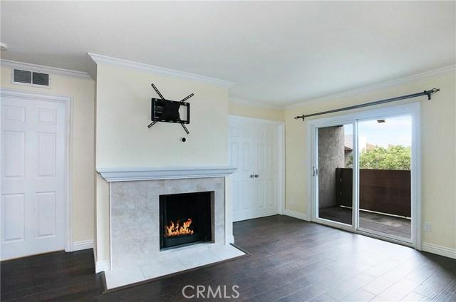 Photo of 17552 Vandenberg Lane #16, Tustin, CA 92780