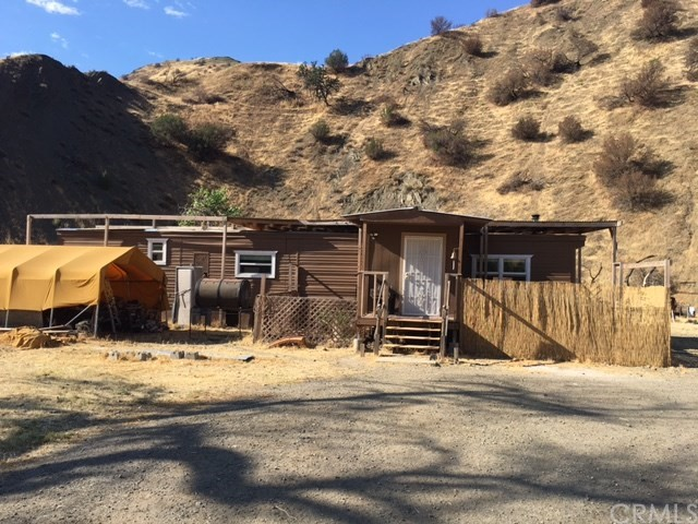 Single Family Home for Sale at 37845 W Highway 198 Coalinga, California 93210 United States