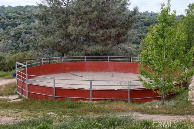 31434 Wyle Ranch Road, North Fork CA: http://media.crmls.org/medias/aaba0fa0-7dbd-49ab-a1dd-824f6bc118fc.jpg