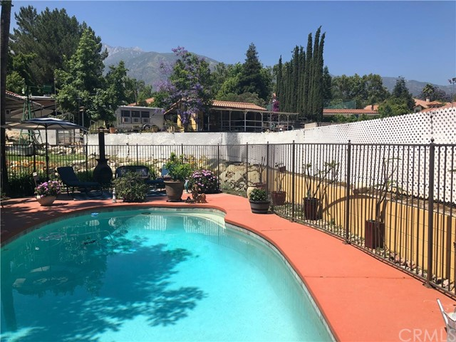 5537 Deer Creek Lane, Rancho Cucamonga CA: http://media.crmls.org/medias/aac14161-3802-42bd-b4b7-03a37eb265b3.jpg