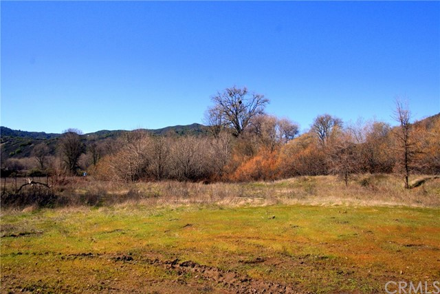 5360 Scotts Valley Road, Lakeport CA: http://media.crmls.org/medias/ab078136-eb19-4e8e-af37-f2d029417356.jpg