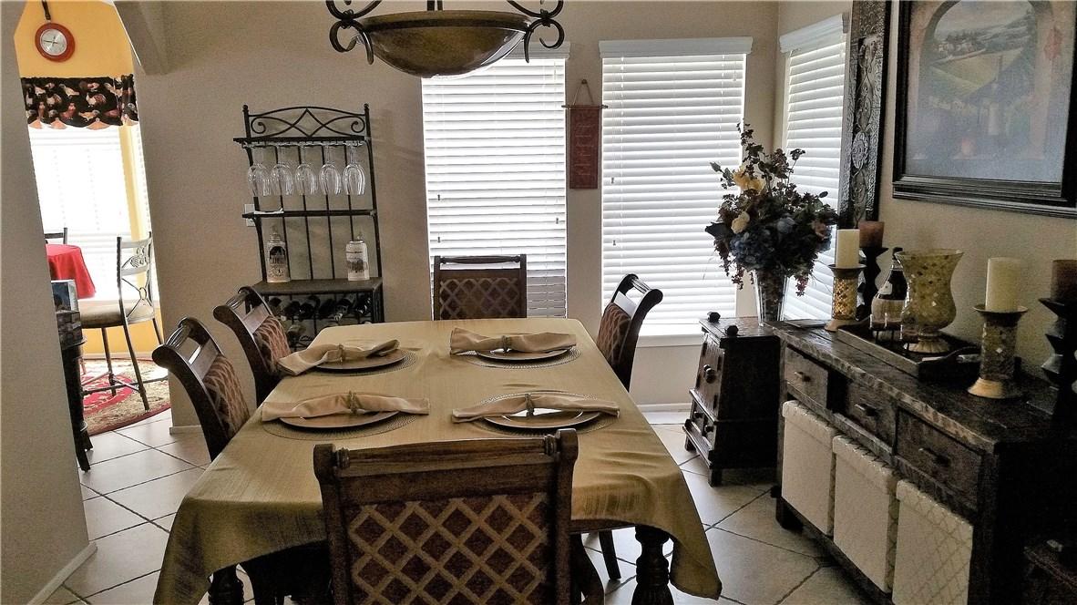 1245 W Cienega Avenue, San Dimas CA: http://media.crmls.org/medias/ab0d213d-a605-4fb2-b72d-585ecbcde908.jpg