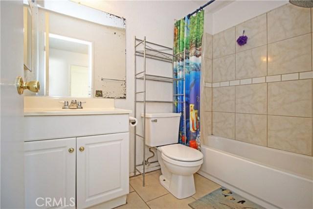 4905 Lakewood Drive, San Bernardino CA: http://media.crmls.org/medias/ab1292d7-9d2b-435a-9b2e-0567311fd1fa.jpg