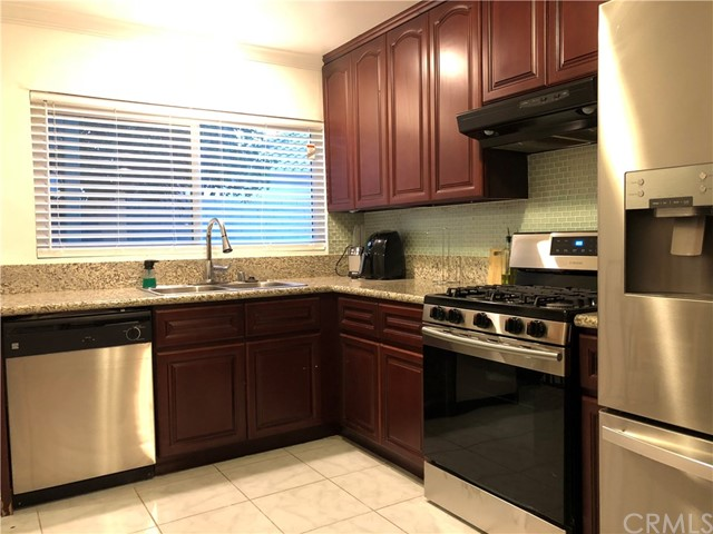 17876 Miller Avenue, Fontana CA: http://media.crmls.org/medias/ab29b0bb-85fd-4aa4-a3d6-7bfcfc1af6e6.jpg