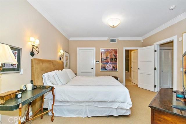 411 N Oakhurst Drive, Beverly Hills CA: http://media.crmls.org/medias/ab2c60d9-714a-44f1-beff-8f0afdcc0cdb.jpg