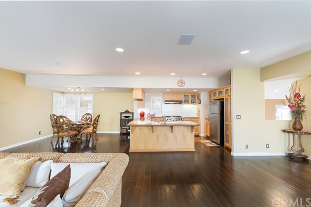 645 2nd St, Hermosa Beach, CA 90254 photo 4