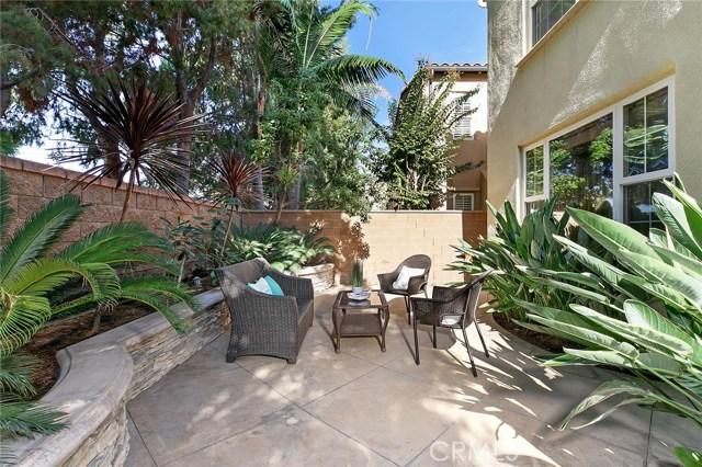40 Secret Garden, Irvine CA: http://media.crmls.org/medias/ab4376c3-acf6-44e9-9cab-a910c0c7f4eb.jpg