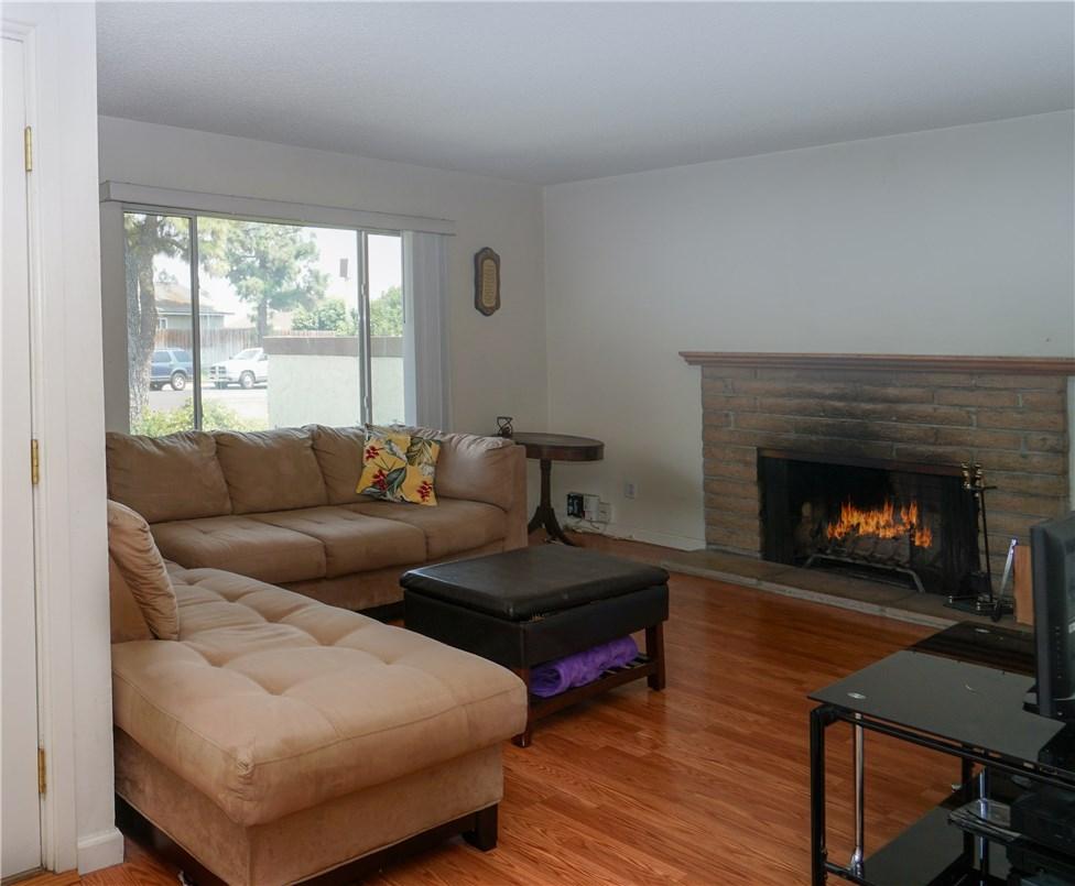 2530 S Balboa Avenue, Ontario CA: http://media.crmls.org/medias/ab45cb0b-f85d-407d-82d1-414e1e58a2a9.jpg