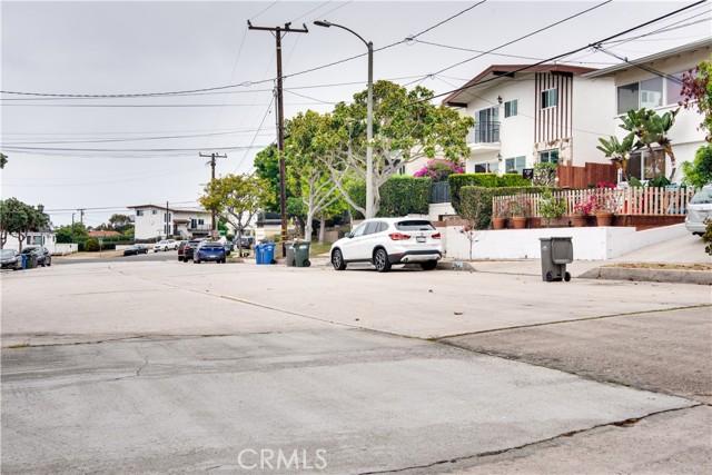 703 -705 El Redondo Avenue, Redondo Beach CA: http://media.crmls.org/medias/ab4e2128-5d89-4d4f-95f9-ba1ddc330f32.jpg