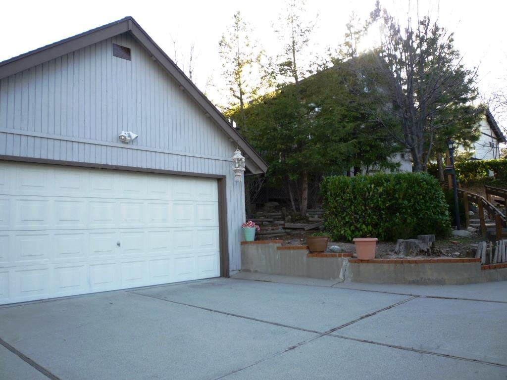 28023 North Bay Road Lake Arrowhead CA  92352