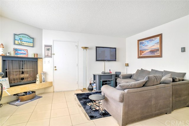 Additional photo for property listing at 72 The Strand 5 72 The Strand 5 Hermosa Beach, Калифорния,90254 Соединенные Штаты