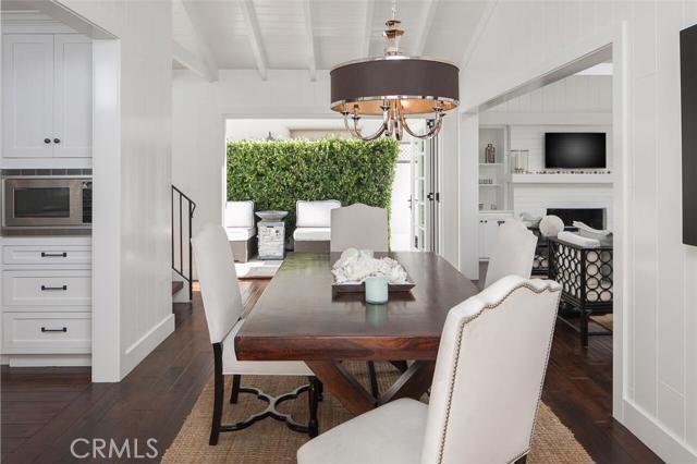 Single Family Home for Sale at 105 Via Ravenna St Newport Beach, California 92663 United States