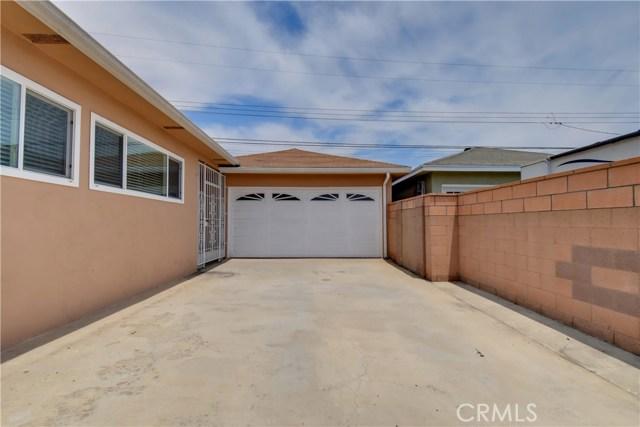 6209 Hungerford Street, Lakewood CA: http://media.crmls.org/medias/ab6f148d-84ec-438f-aeda-0aa80e7a1562.jpg