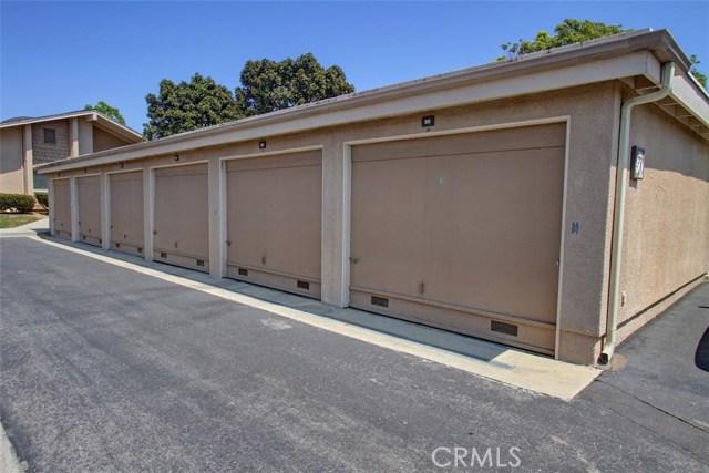 8856 Sutter Circle, Huntington Beach CA: http://media.crmls.org/medias/ab73a94f-df5e-414e-b04c-762b6282bf13.jpg