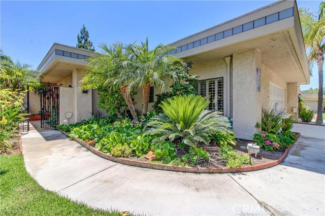 Condominium for Sale at 5584 Via Dicha Laguna Woods, California 92637 United States