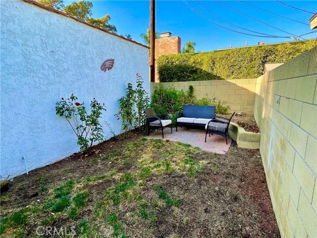 604 Park Avenue, Long Beach CA: http://media.crmls.org/medias/ab78a14c-fdff-4695-b99b-6f45ac47593b.jpg