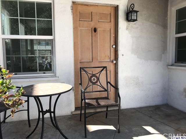 1912 E Chevy Chase Drive, Glendale CA: http://media.crmls.org/medias/ab912bf7-1de6-488d-ab6a-18954df4b22c.jpg