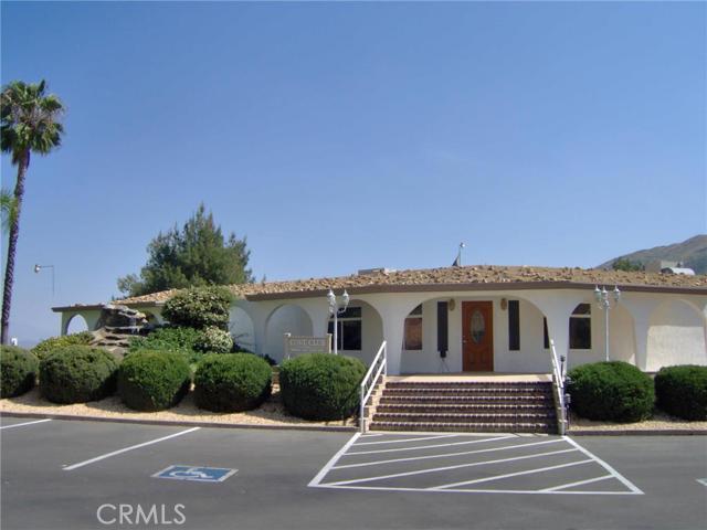 32600 State Highway 74, Hemet CA: http://media.crmls.org/medias/ab9282fa-d092-4cd8-b71a-bb6a69e5730e.jpg