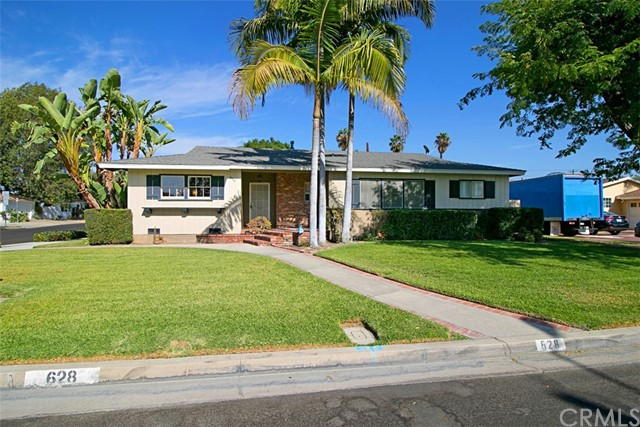 Single Family Home for Sale at 628 Pine Place N Anaheim, California 92805 United States