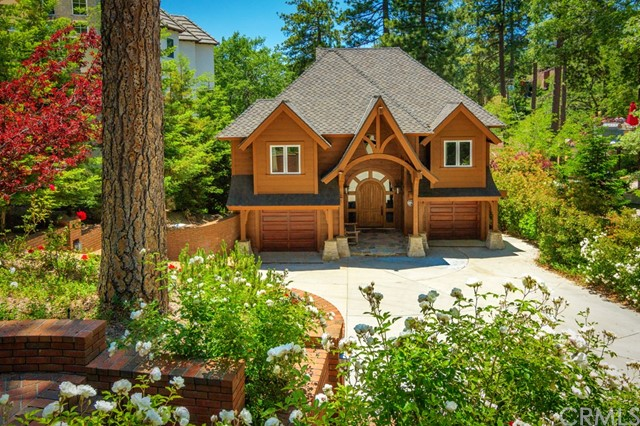 27961 North Shore Road, Lake Arrowhead CA: http://media.crmls.org/medias/ab977cd1-31db-42cc-a84f-7276962bb782.jpg