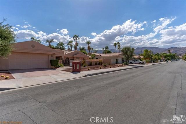 73181 Skyward Way, Palm Desert CA: http://media.crmls.org/medias/ab9c8751-e095-4e94-927a-0c35dda21442.jpg