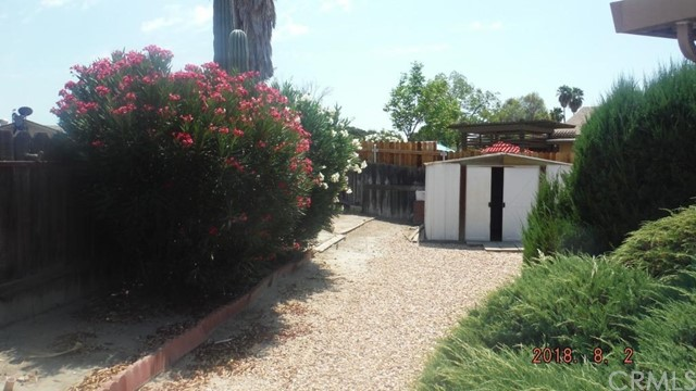 586 Sabado Court, Hemet CA: http://media.crmls.org/medias/aba0250e-7592-4691-a1a1-1c19dcc64a04.jpg