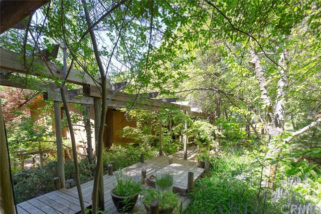 4040 Amelia Drive, Mariposa CA: http://media.crmls.org/medias/abae5f79-4ed0-4386-9afb-430030e03d43.jpg