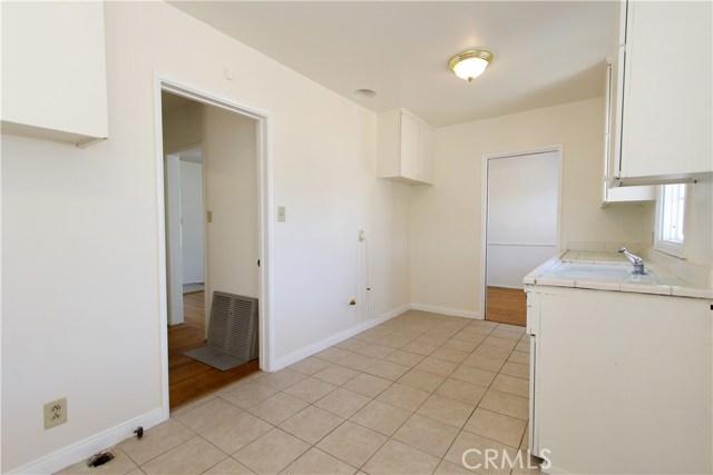1222 W 187th W Street, Gardena CA: http://media.crmls.org/medias/abd46dcd-b517-4a88-adcd-3241cb7fef6e.jpg