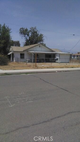 10644 Curtis Street, Loma Linda CA: http://media.crmls.org/medias/abe86b00-d12a-4b75-a5d5-3102cfb39f22.jpg