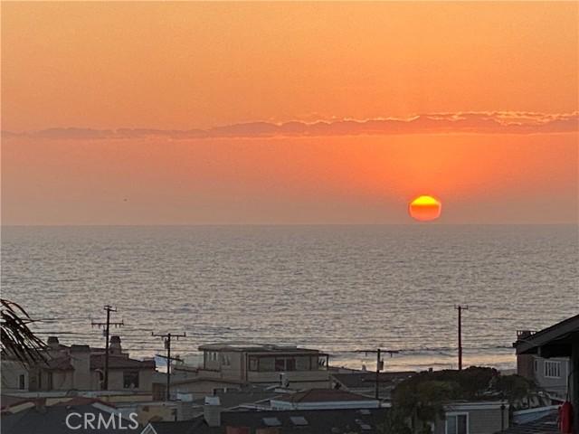215 16th St, Hermosa Beach, CA 90254