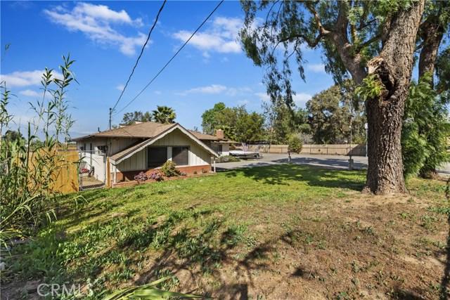 607 6th Street, Norco CA: http://media.crmls.org/medias/ac0dea80-d717-4251-b945-276816284aa0.jpg
