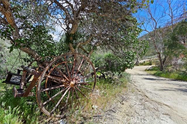 39000 Highway 79, Warner Springs CA: http://media.crmls.org/medias/ac398150-9a1a-4949-9685-afc48444f3f7.jpg