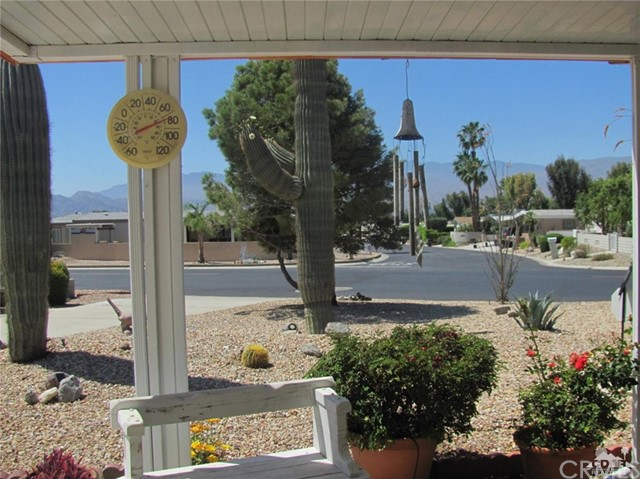 38934 Desert Greens Drive, Palm Desert CA: http://media.crmls.org/medias/ac3a3ab6-80d3-45c6-9b5e-70dd8ebf8ad2.jpg