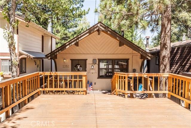 Casa Unifamiliar por un Venta en 2352 Pine Drive Arrowbear Lake, California 92382 Estados Unidos