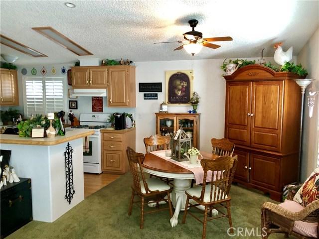 21100 State Street, San Jacinto CA: http://media.crmls.org/medias/ac4966fb-c2e0-4af4-9ff0-f35674deb0a6.jpg
