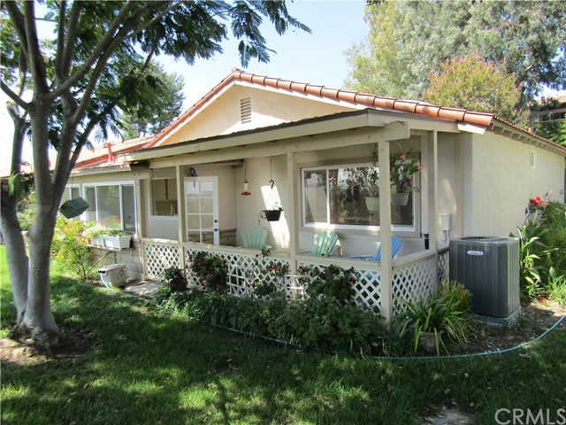 28032 Via Bonalde, Mission Viejo CA: http://media.crmls.org/medias/ac52fc4d-76ca-4c90-80de-8f50e97997e7.jpg
