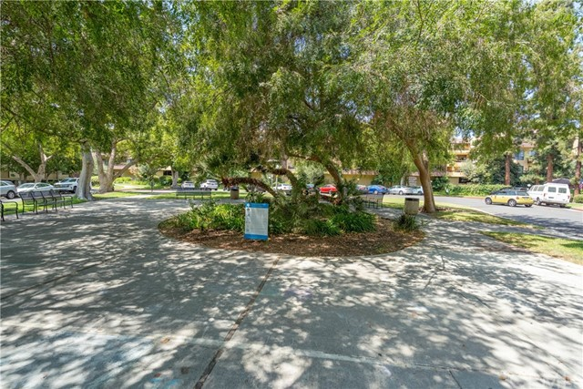 444 Piedmont Avenue, Glendale CA: http://media.crmls.org/medias/ac6cd9a2-7d01-41c3-8dff-ce75f37d0885.jpg